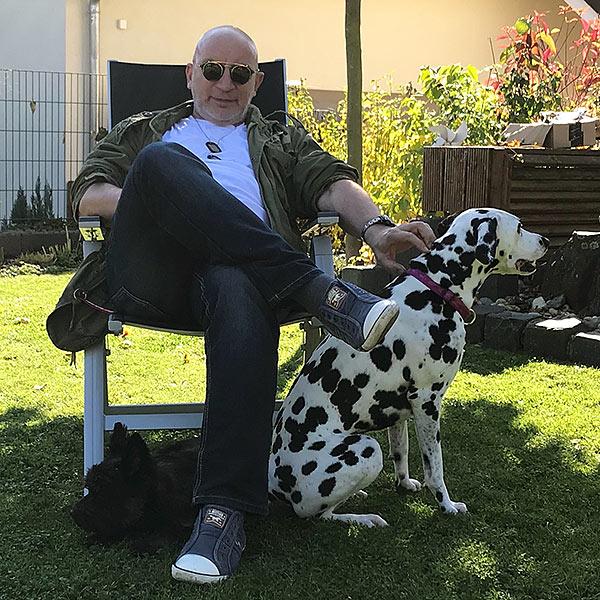 Lutz mit Hunden